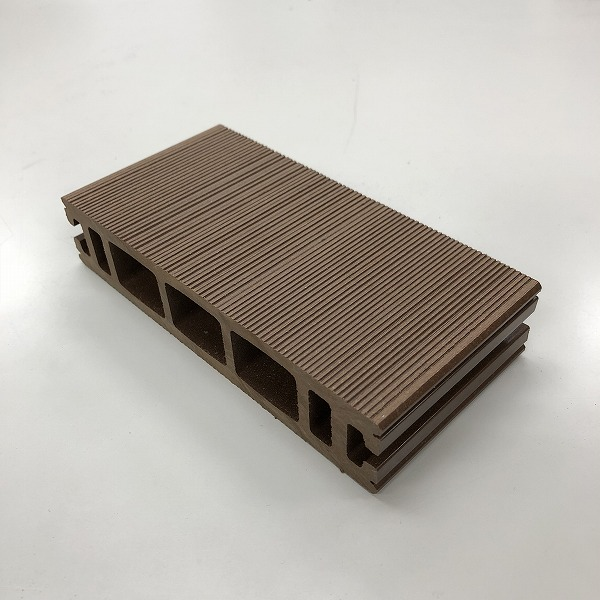 ジャパンメイドウッド床材(ブラウン)