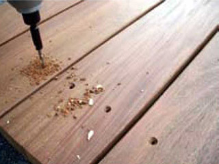 下穴処理と皿取処理が一度にできる皿取錐