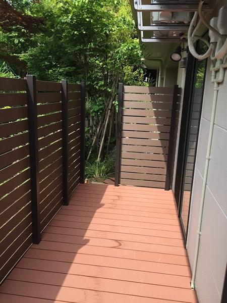 対象の人工木材を使用した ウッドデッキ/フェンス製作の様子とBefore After