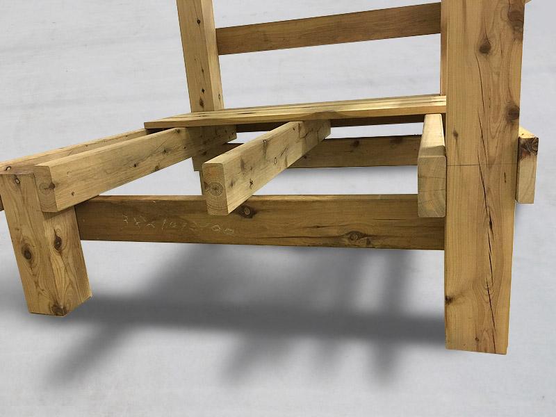 6-2 応用すればフェンスの柱以外に、パーゴラの柱としたり、物干し竿の柱にしたりできます。
